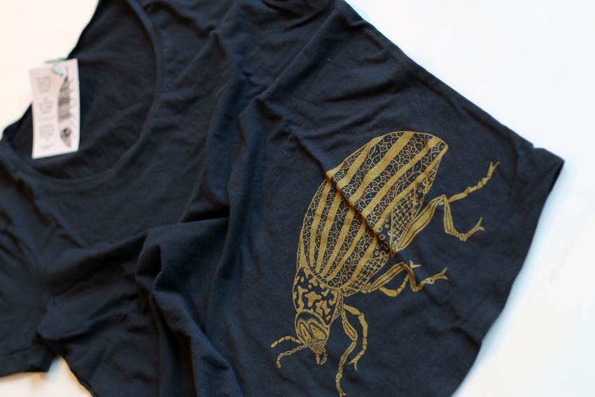 Women - Ink blue with golden Beetle - S (TS010)