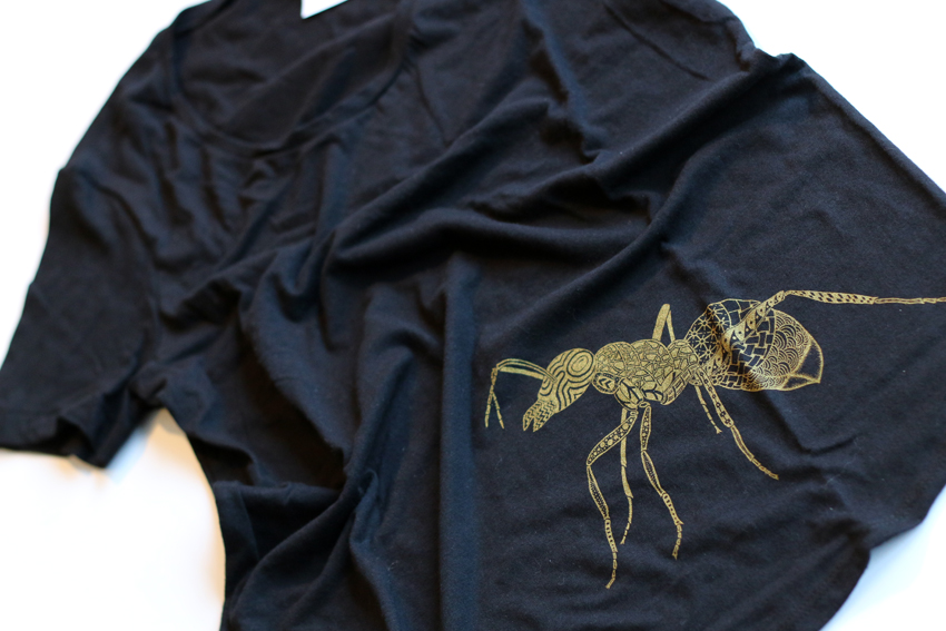 Women - Ink blue with golden Ant - XS (TS009)
