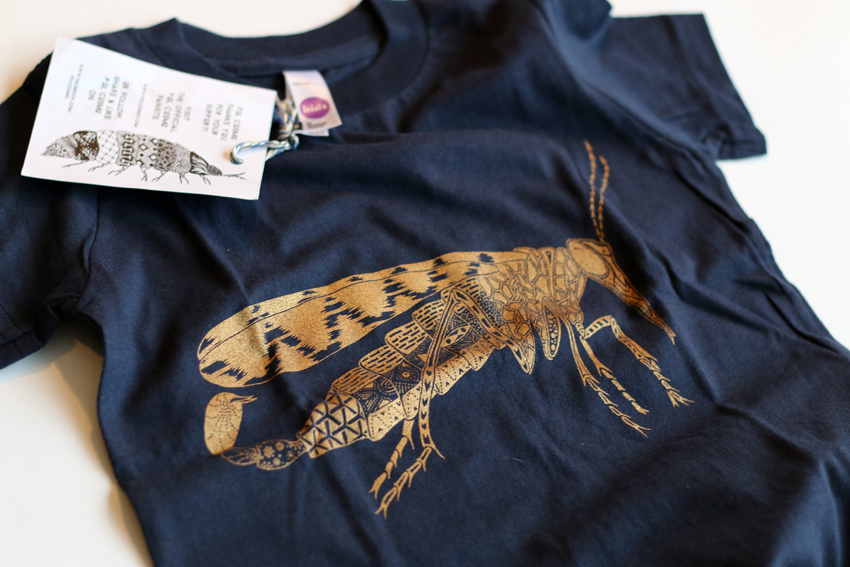 Kids - Navy blue with golden Scorpionfly - 4yrs (TS002)