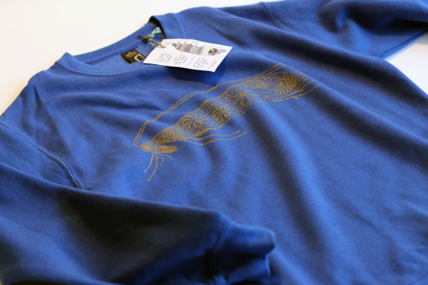 Royal blue with golden Caddisfly - 10yrs (SWC009)
