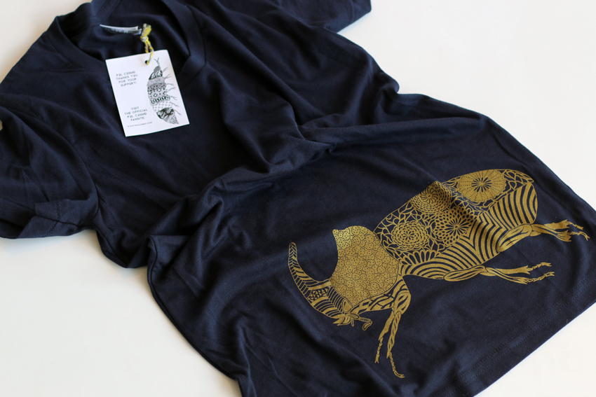 Women - Navy with golden Beetle - M (TS053)