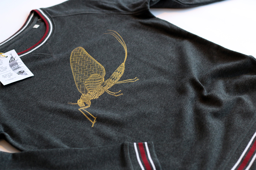 Women - Dark heather grey with golden Mayfly - XS (SWA047)