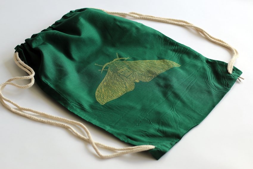 Green gymsac with golden Peppered moth (GS008)